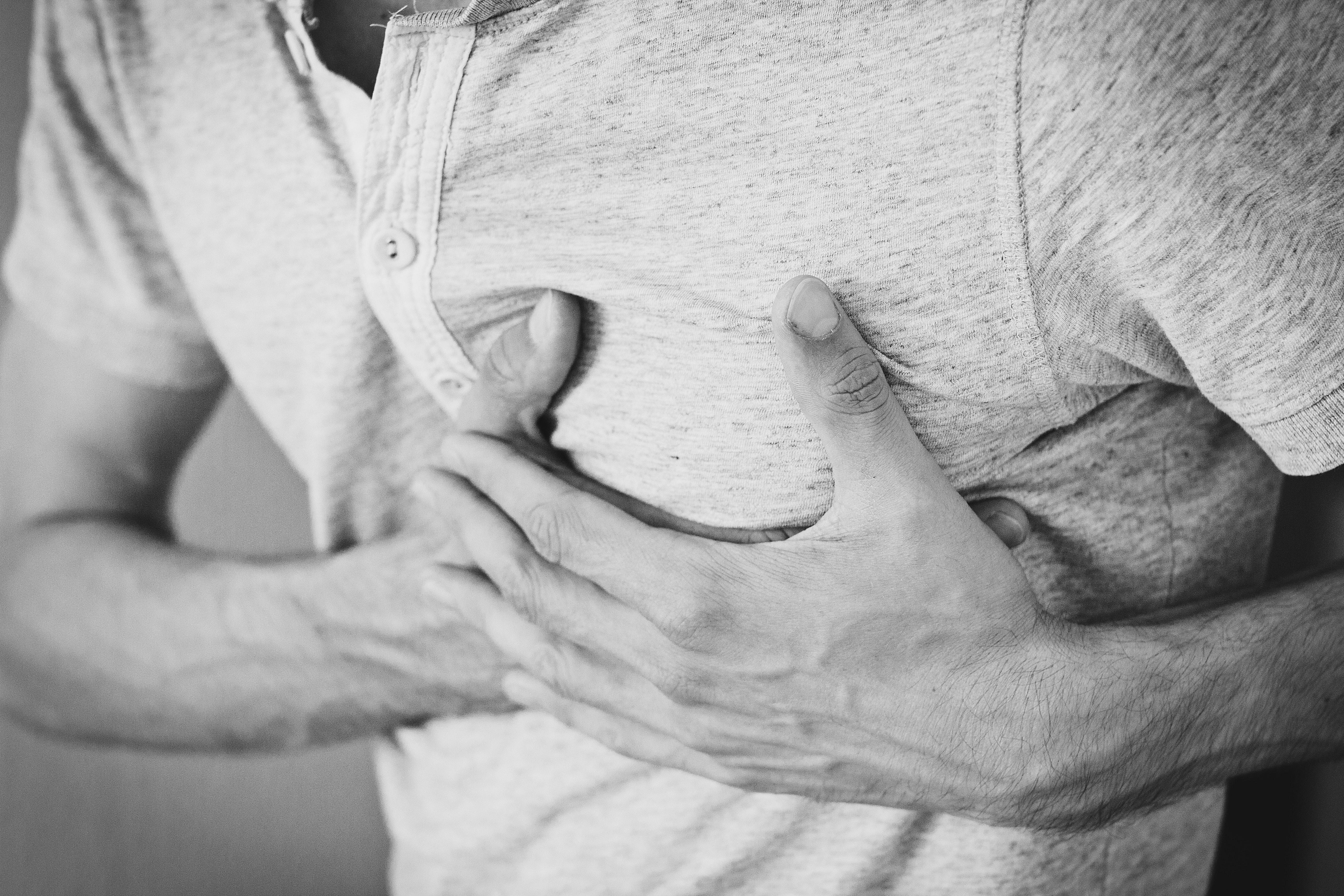Especialista diserta sobre terapia fibrinolítica en infarto agudo de miocardio