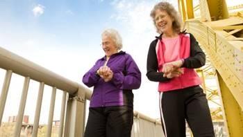 Especialista ofrece recomendaciones para el cuidado de los adultos mayores en casa