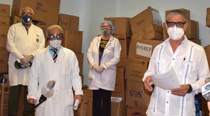 Colegio Médico continúa entrega materiales de bioseguridad para médicos