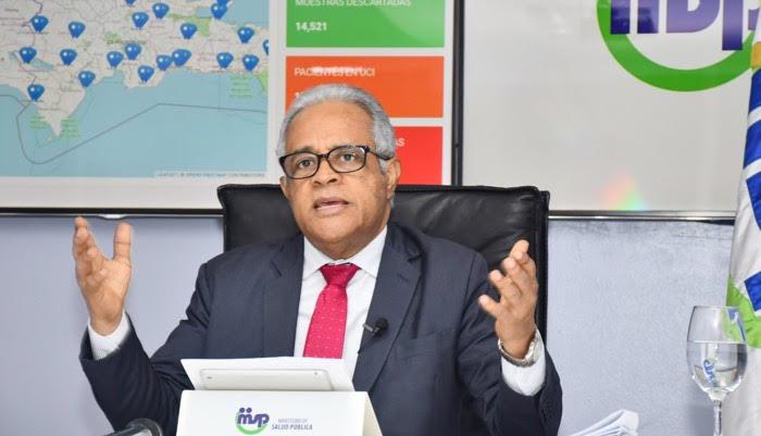 Ministro Salud resalta falta de consenso con autoridades electas para adquirir nueva prueba Covid-19