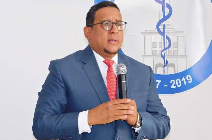 Denuncian precariedades en hospital Arturo Grullón