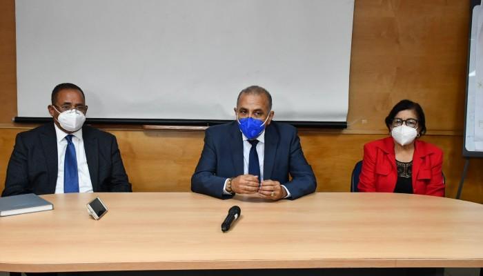 Ministro Salud asegura habrá disponible 115 mil pruebas PCR en próximas horas