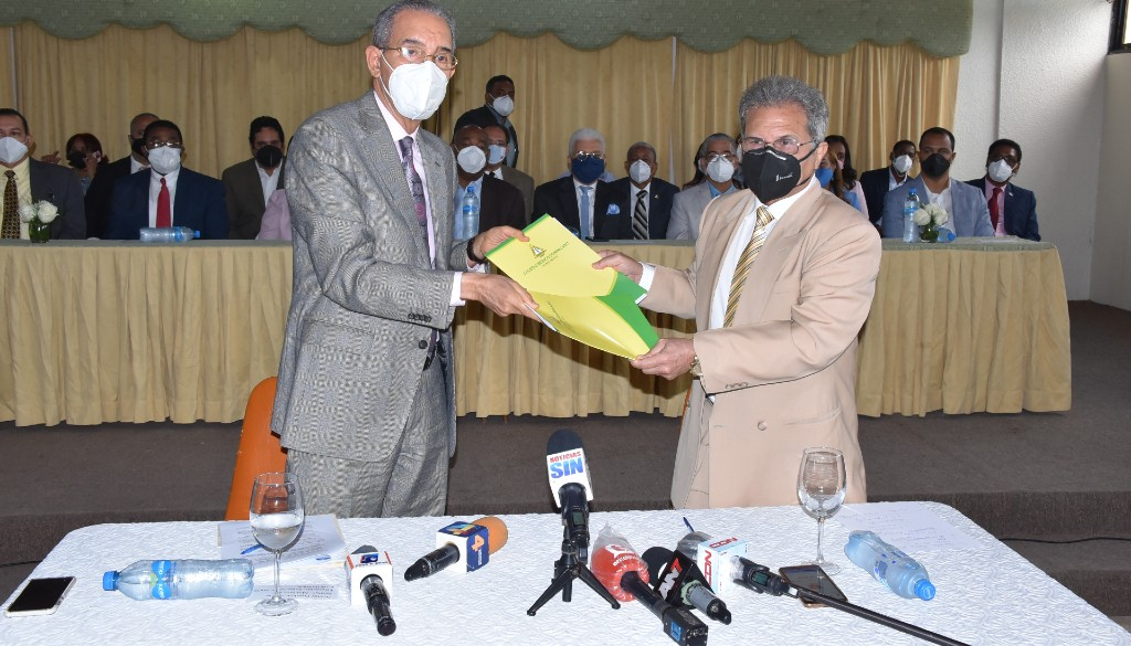 Presidente CMD califica como positivo convenio firmado con el MESCYT