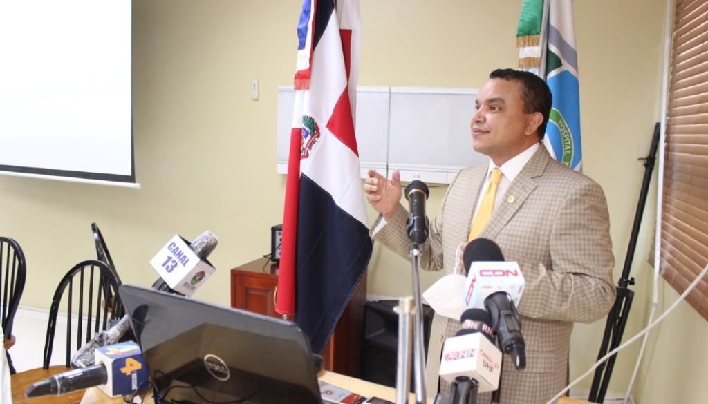 Director hospital Ney Arias hace recuento de primer mes de gestión