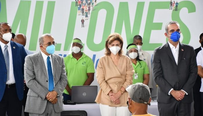 Presidente  reitera en diciembre todos los dominicanos tendrán  seguro de salud