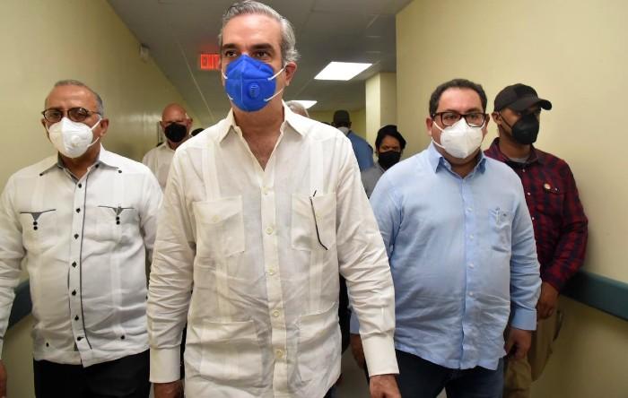 Autoridades supervisan construcción de hospital en Las Terrenas