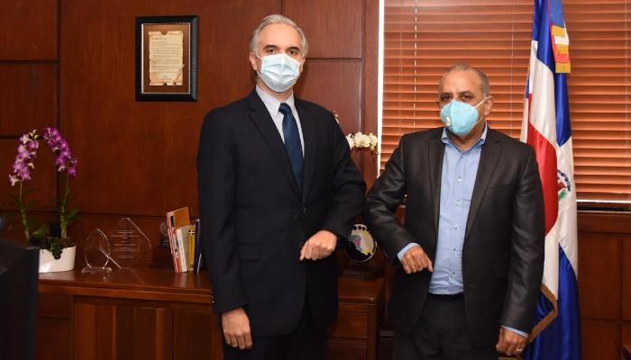 Ministro de Salud y Trabajo tomarán acciones para asegurar salud  de trabajadores
