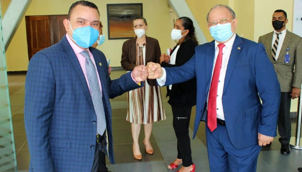 Seleccionan al hospital Ney Arias para capacitación y captación de donantes