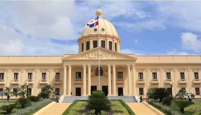 Presidente emite decreto flexibiliza toque de queda y ratifica uso de mascarilla