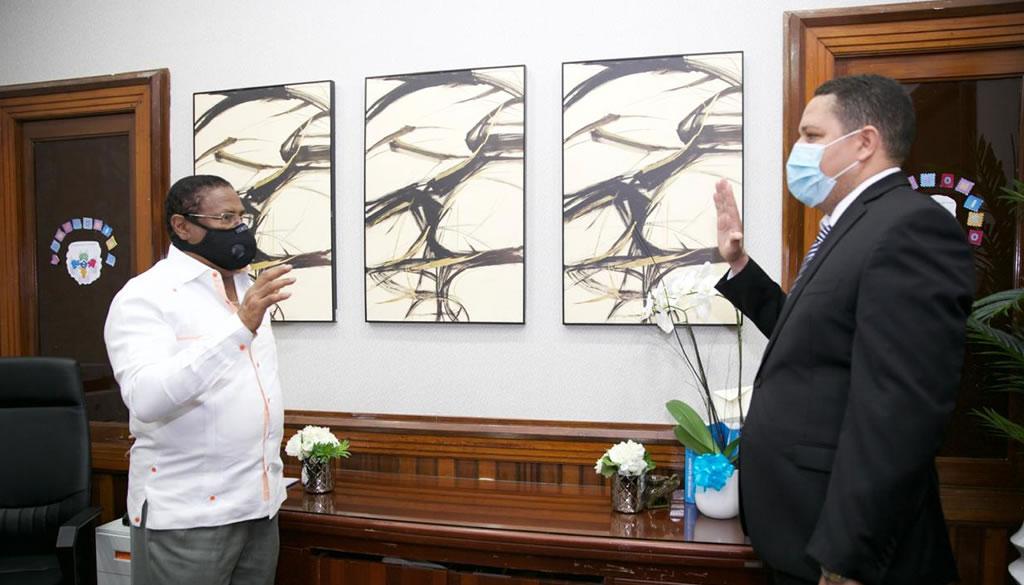 SRSM posesiona directores en hospitales municipales