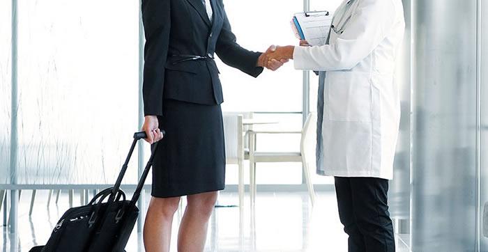 Entidades desarrollan guía retorno de la Visita Médica