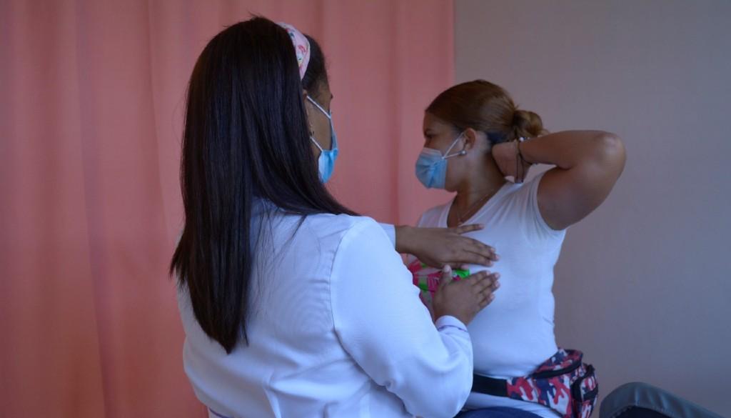 Hospital Reynaldo Almánzar insta a mujeres autoevaluarse para prevenir cáncer de mama