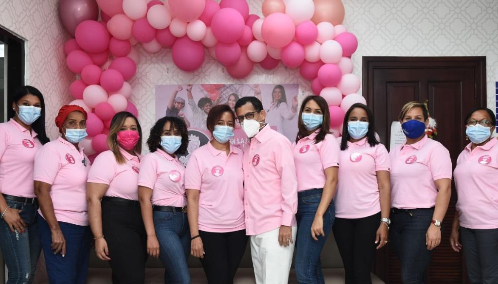 Radonic premia a pacientes por motivo Día del Cáncer de Mama