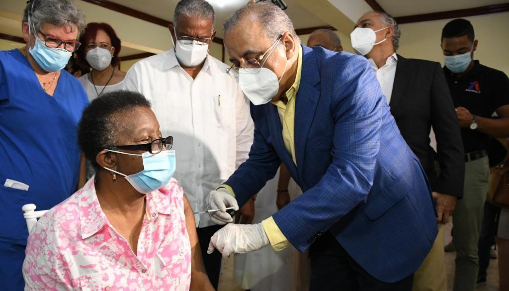 Aplicarán 425 mil dosis de vacuna contra influenza a población de riesgo