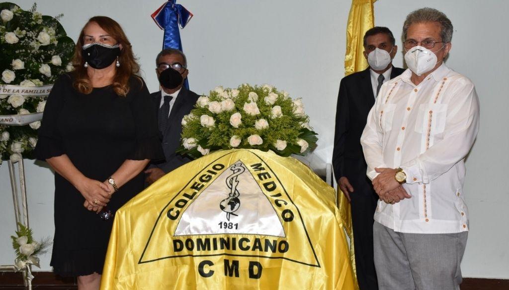 Colegio Médico rinde honras fúnebres al doctor Dionisio Soldevila