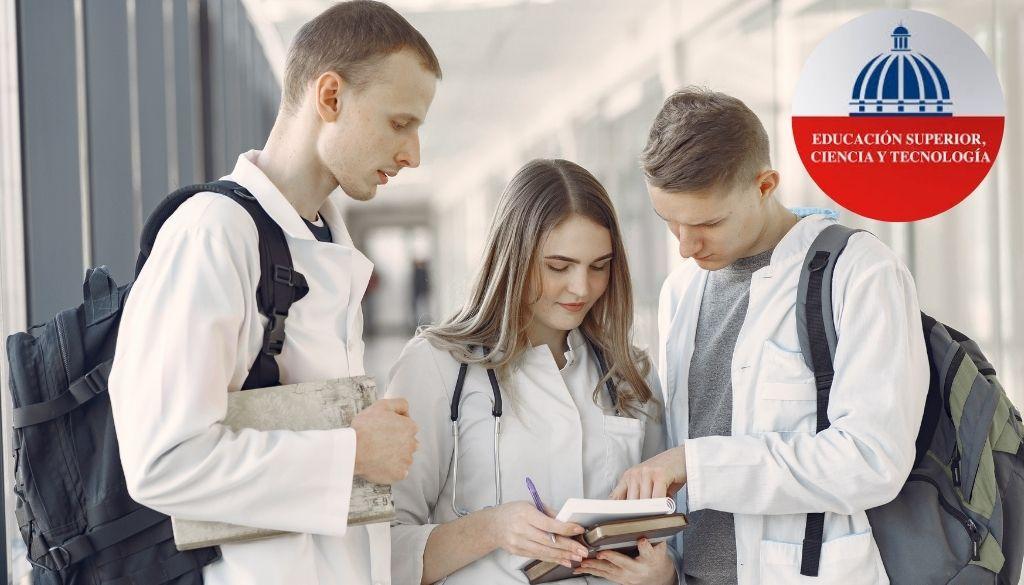 Buscan salida a médicos formados en el extranjero