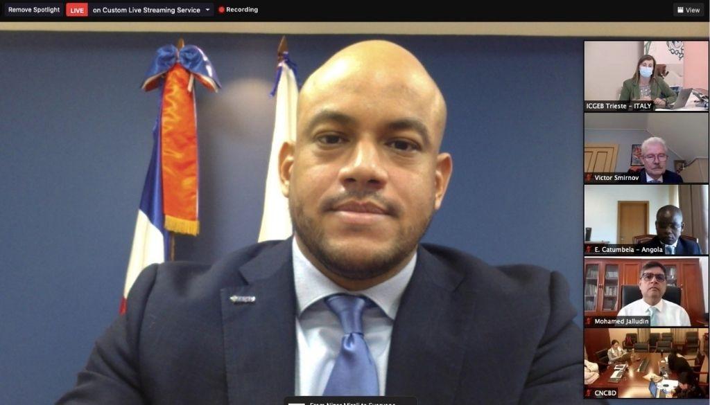 Virólogo dominicano representa al país en panel científico internacional