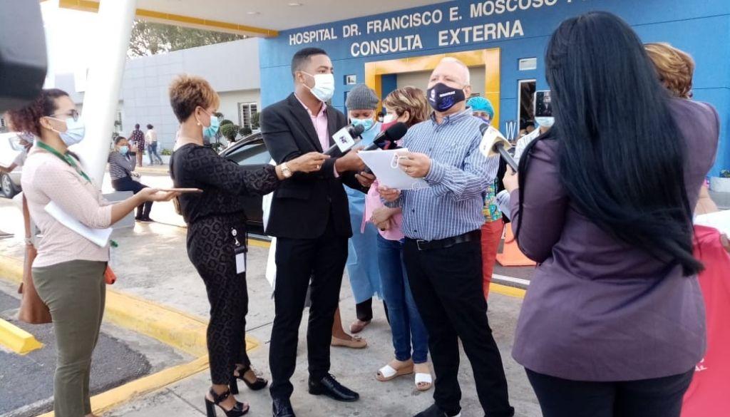 Demandan pago incentivos del SeNaSa en hospital Moscoso Puello