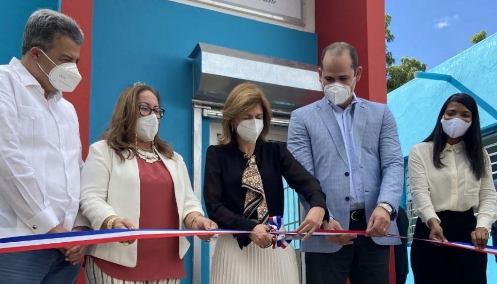 Inauguran nuevas Farmacias del Pueblo en Santiago y Santiago Rodríguez