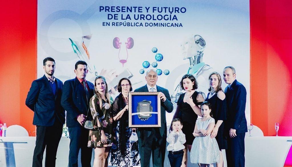 Sociedad Urología reconoce al doctor Francisco Jiménez Capellán