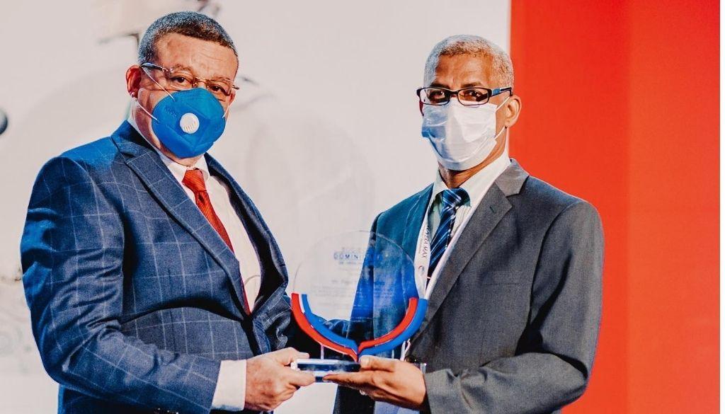 Urólogos son reconocidos durante su XXXIII congreso