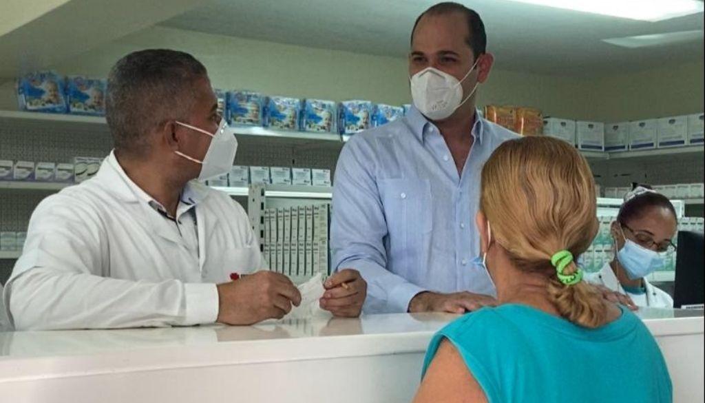 Supervisan abastecimiento de Farmacias del Pueblo