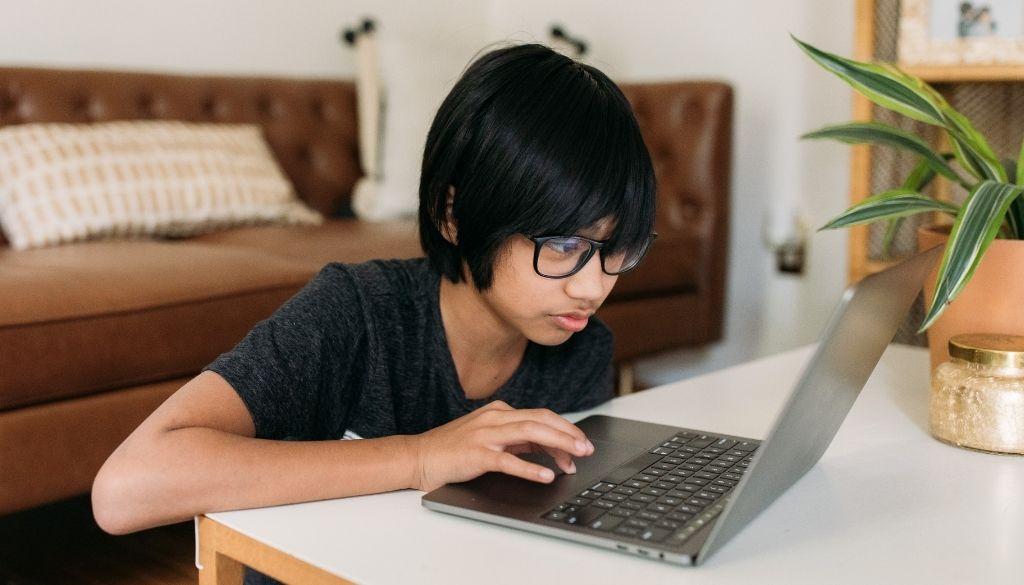 Alertan sobre riesgo de violencia sexual en línea durante pandemia