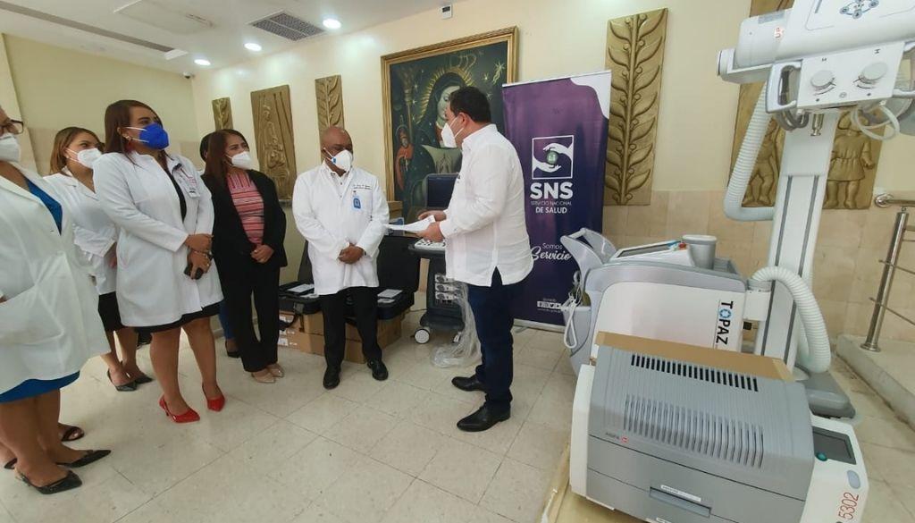 Entregan equipos valorados en más de seis millones a Maternidad la Altagracia