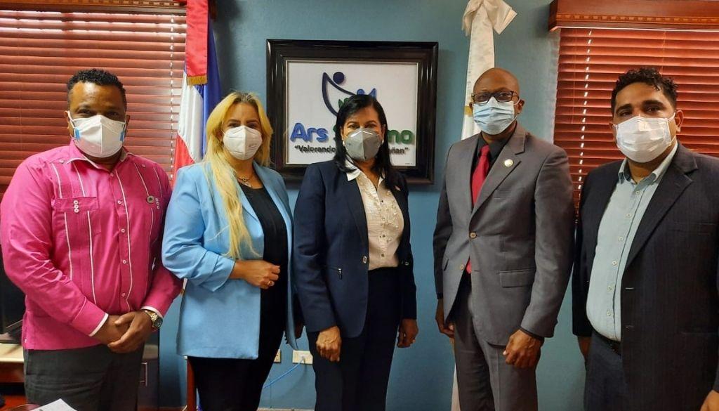 Llevarán al consejo de ARS SEMMA solicitud para reintegrar médicos cancelados