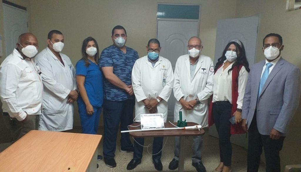 Donan equipo al  hospital Salvador B. Gautier