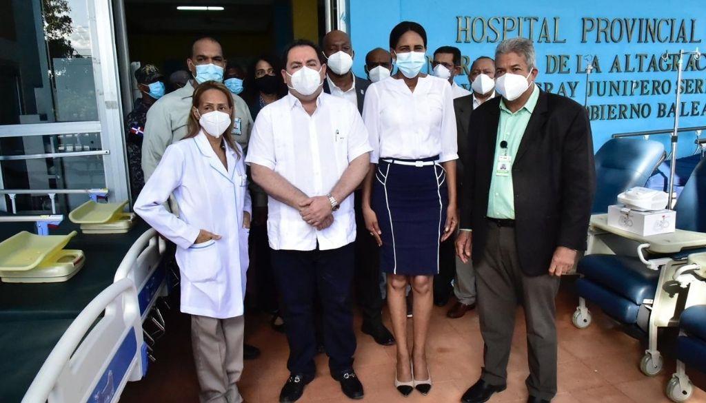 SNS asegura entrega más de RD$ 40 millones en equipos a hospitales