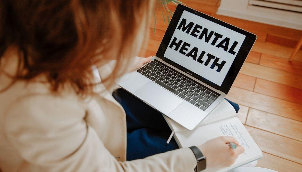 Psicólogos lanzan guía para ejercicio de telepsicología