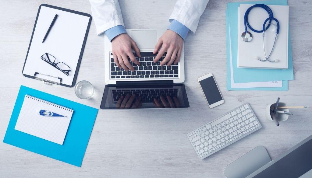 ¿Es obligatoria la recertificación médica?