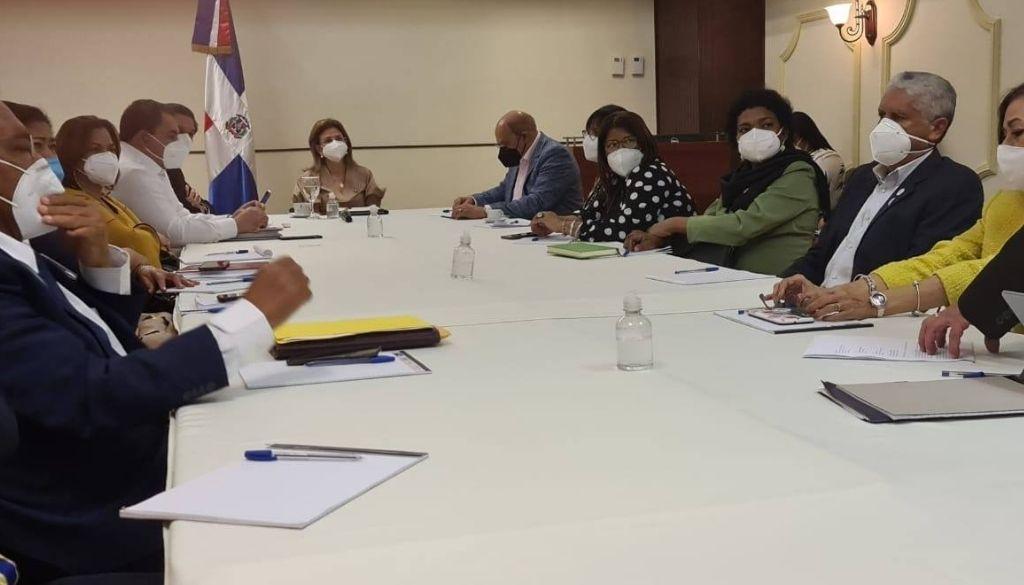 Gremios de salud entregan propuesta a autoridades