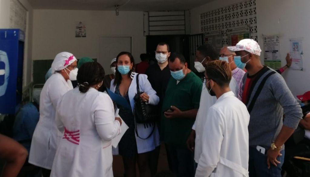 Médicos paralizan labores por 48 horas ante incumplimiento de autoridades