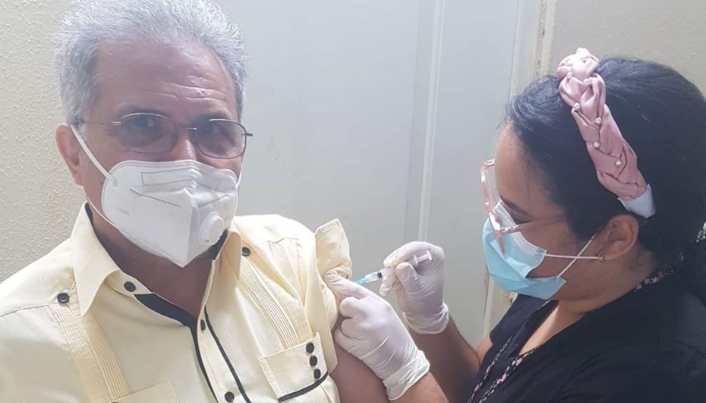 Aplican segunda dosis vacunas COVID-19 en el CMD