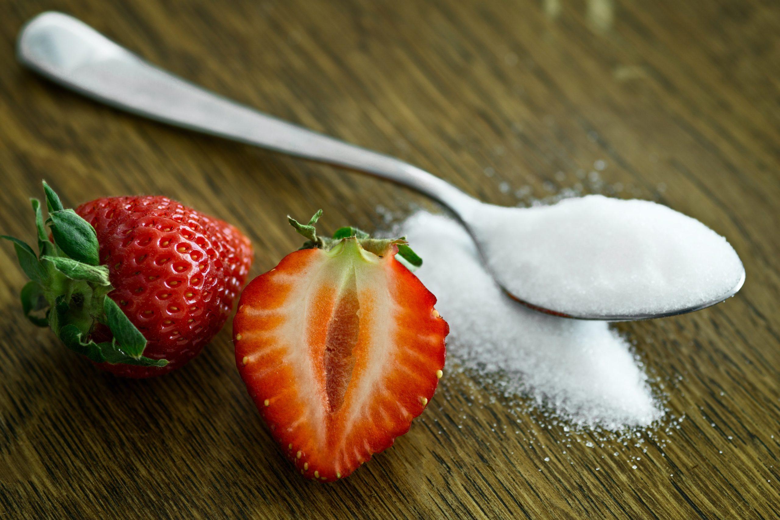 Azúcar vs. Edulcorantes No Calóricos: ¿una alternativa segura o un producto más del mercado?