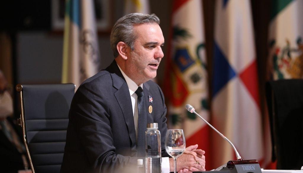 Presidente Abinader denuncia acaparamiento vacunas por países desarrollados