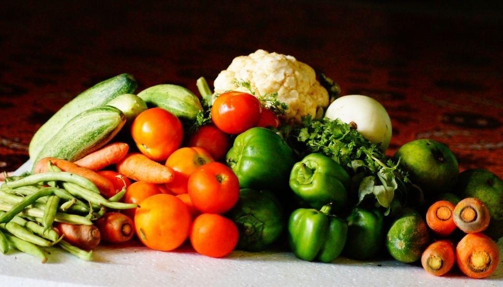 Analizan rol de la nutrición en economía y salud