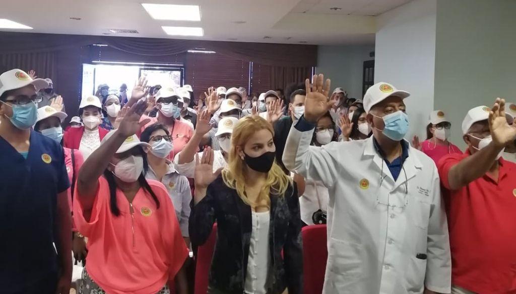 Médicos apoyan al Dr. Senén Caba