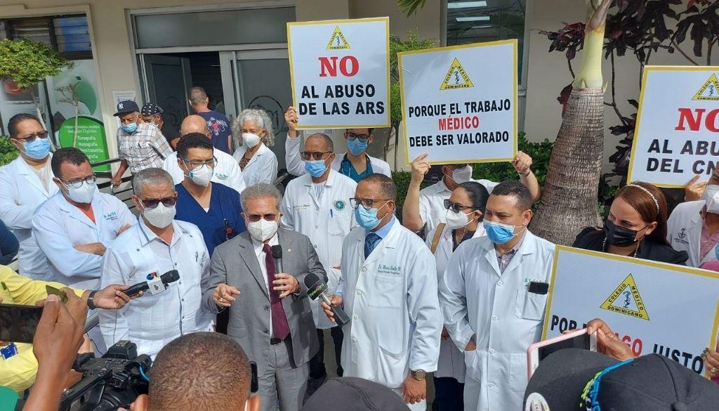 Paro médico se realiza en La Vega, Puerto Plata y Duarte