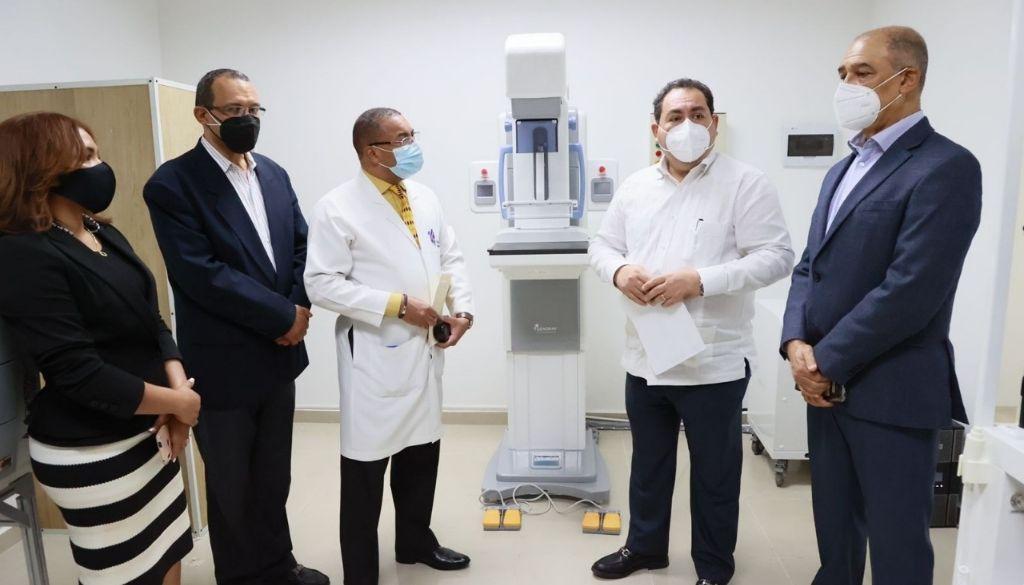 Invierten RD$14.6 millones en equipamiento dos hospitales de La Vega