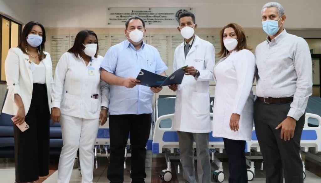 Entregan equipos a cinco hospitales