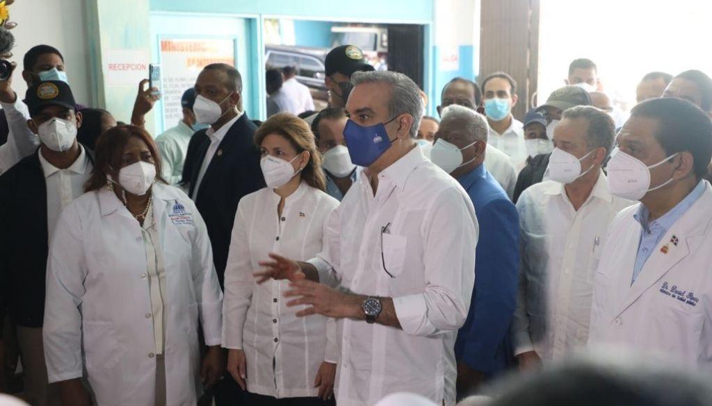 Autoridades supervisan Plan Nacional VacúnateRD en Barahona