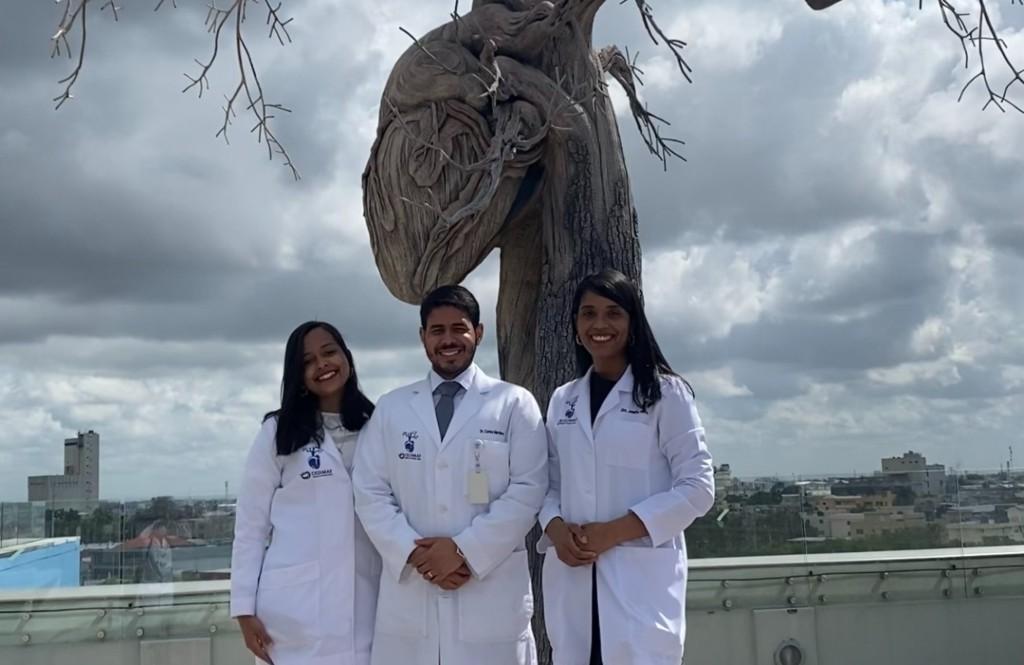 Médicos residentes ganan competencia internacional de Cardiología