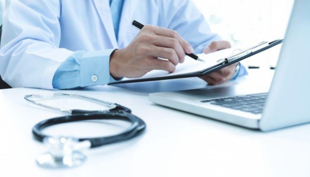 ¿Qué se debe tomar en cuenta para publicar investigaciones en revistas de salud?