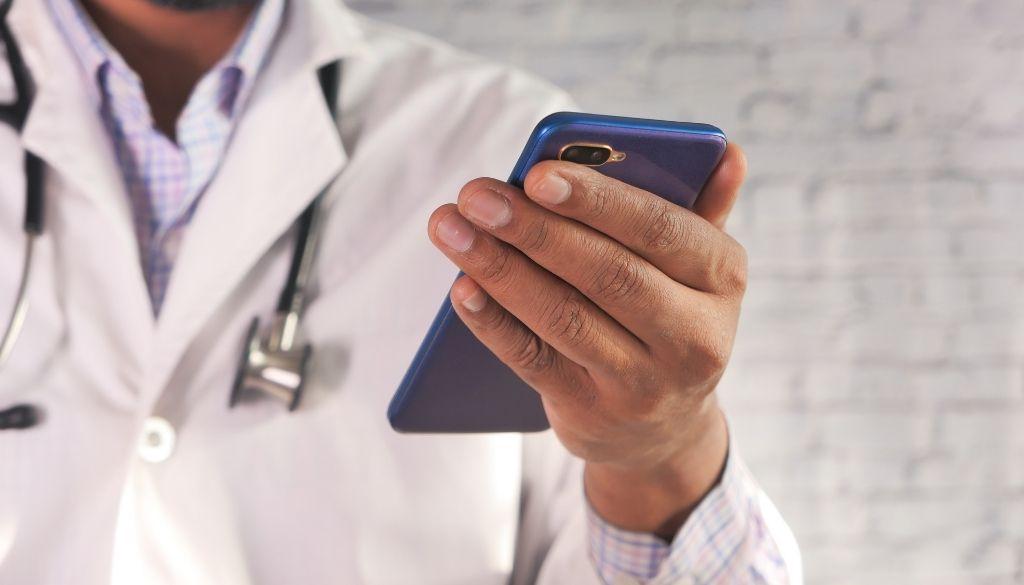 """Estos son los """"gadgets"""" que debe mantener alejados de los dispositivos médicos"""
