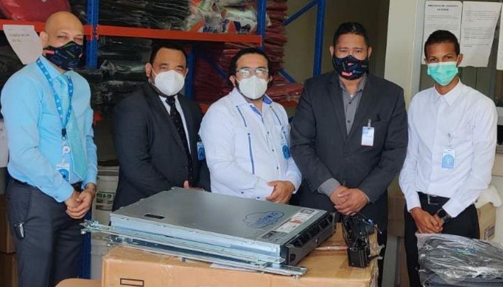 Donan equipos tecnológicos al Hospital Materno Reynaldo Almánzar