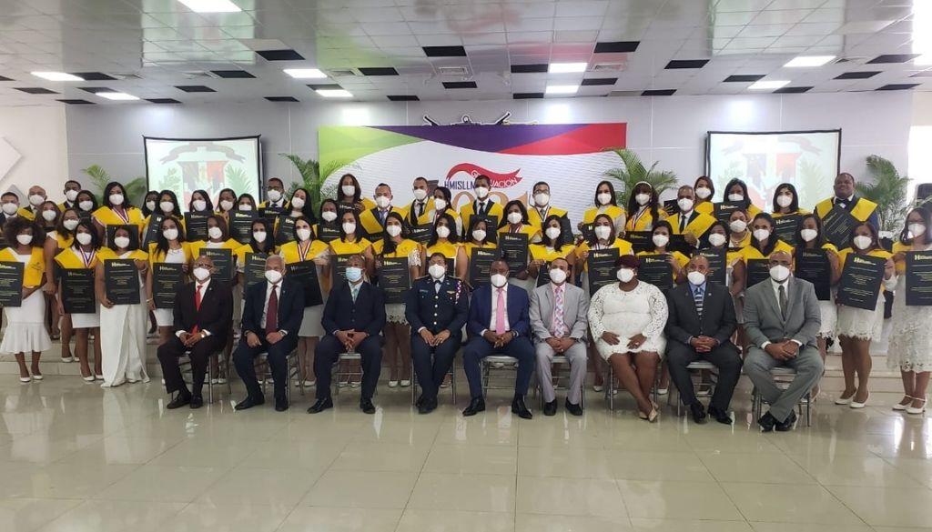 Gradúan otros 51 médicos especialistas
