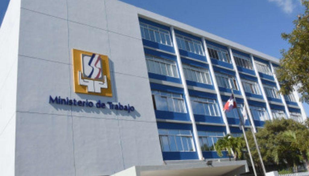Tras fuertes confrontaciones Colegio Médico y ARS se reunirán en Ministerio de Trabajo